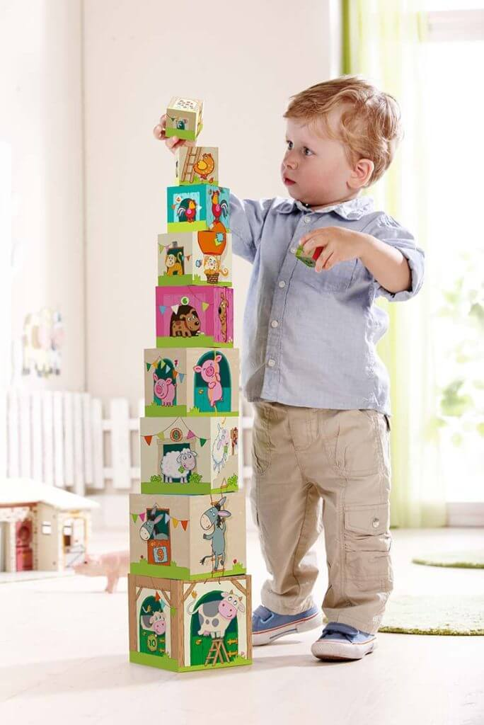 1歳の積むおもちゃ スタックキューブ