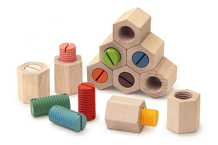 2歳向け知育玩具:六角ひねり積み木