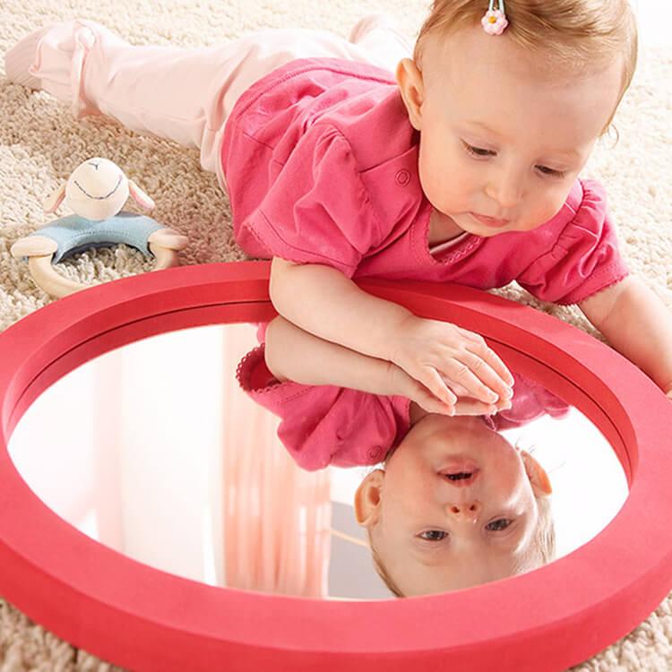 ラウンドミラー〈赤ちゃんの鏡〉Commotion House